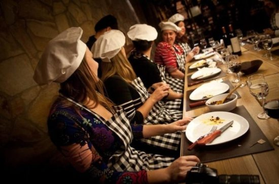 Creative Cooking Class and Dinner with Wine in Iguazu