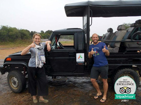 Uda Walawe National Park, Sri Lanka: happy guests after a safari at udawalawe national park