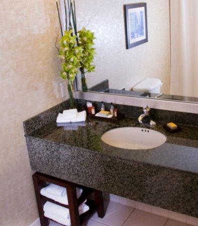 Pewaukee, Ουισκόνσιν: Guest Bathroom