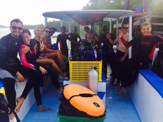 Happy divers on Ceningan Divers Big boat (12 Divers max)