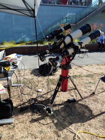 Salem, OR: tracking telescopes of the 2017 total eclipse of the sun on Willamette University's campus
