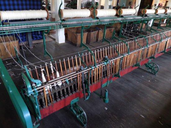 Salem, OR: wool yarn spools