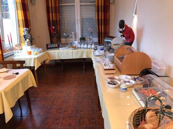 Eichenzell, Duitsland: Frühstück