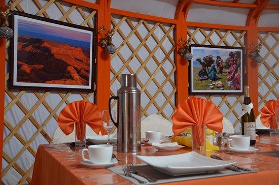 Dalandzadgad, منغوليا: Dining Ger