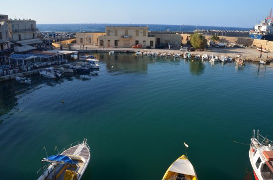 Faros Beach Hotel: The view over the Venetian Harbour from our room
