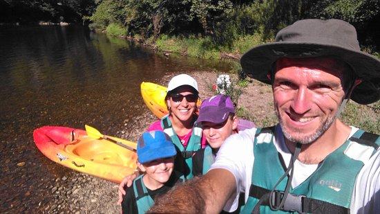 sortie en canoe 3h en famille à Vieillevie fin août 2017.
