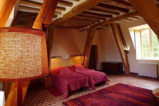 Radepont, France: Duplex chambre du Roi (second floor)