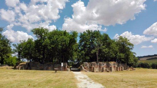 Urbisaglia, อิตาลี: L'anfiteatro dall'esterno