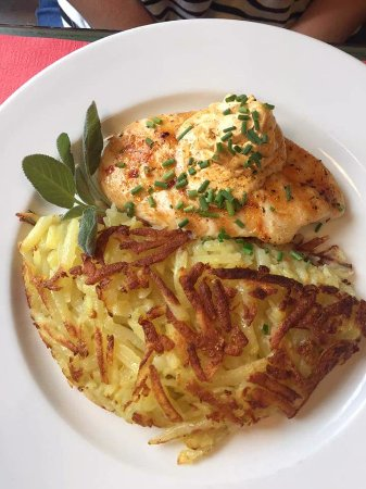 Thalwil, Switzerland: chicken breast with rosti