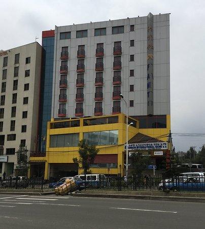 Wassamar Hotel: Facade
