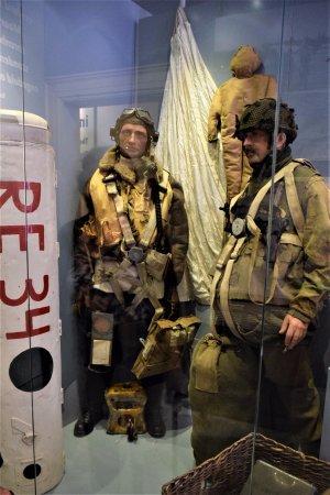 Airborne Museum Hartenstein: Realischtische taferelen.