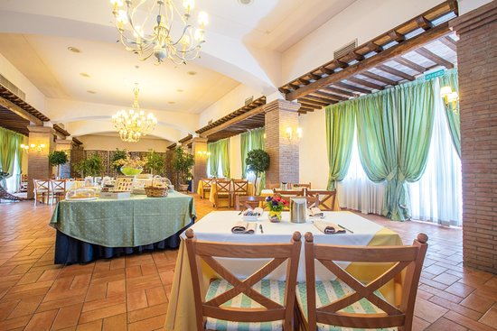 Hotel ristorante la pergola magliano sabina prezzi 2018 for La pergola prezzi