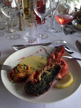Le Donjon de Bois Pouvreau : This was the fish course and the dessert, delicious!!!
