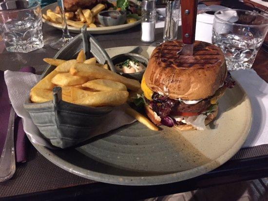 Restaurante el Sabor: Prima hamburger.