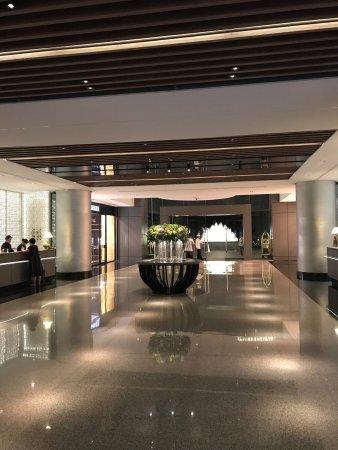 Regent Taipei: プールにジムにラウンジに家族でもカップルでもかなり楽しめる高級ホテル。