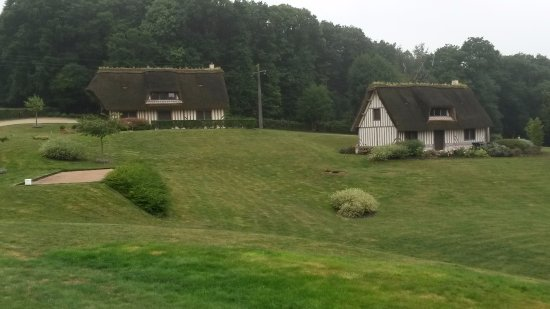 Saint-Samson-de-la-Roque, France: de 2 andere huisjes