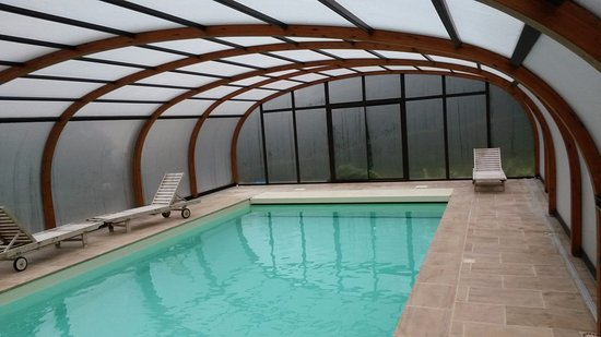 Saint-Samson-de-la-Roque, France: zwembad