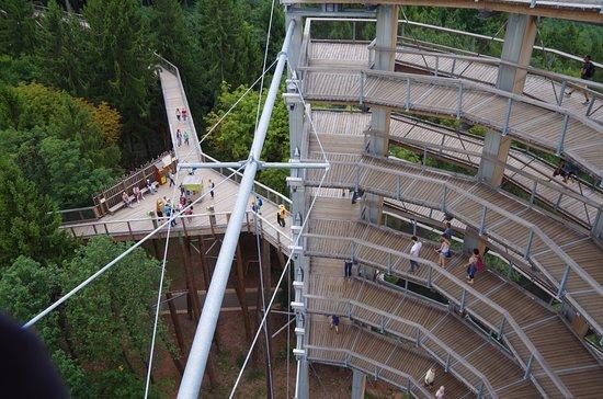 Orscholz, Germany: La tour et sentier d'accès