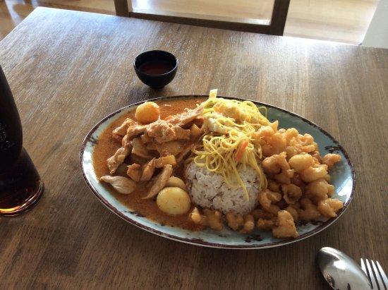 Krua Thai: Chicken curry lunch special
