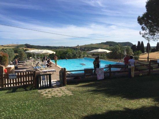 Castellina Marittima, İtalya: Relax in piscina