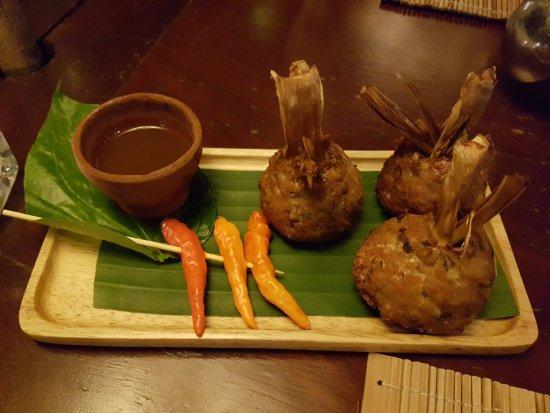 3 Nagas Restaurant: Deep-fried stuffed lemongrass with minced pork