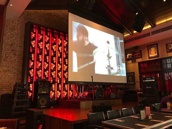 Hard Rock Cafe Melaka Review