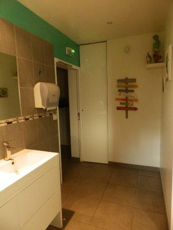 Salle de bain - Toilettes - Photo de La table de MarYann, Basse ...