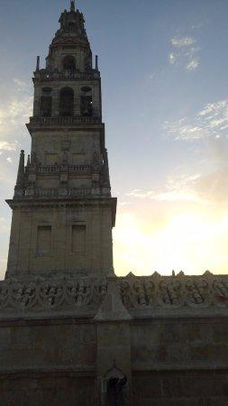 Eurostars Maimonides: Torre de la Catedral al amanecer