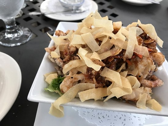 Landis Store Hotel: Crispy Calamari Salad