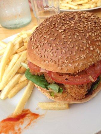 Plazac, فرنسا: Burger vegan au top!