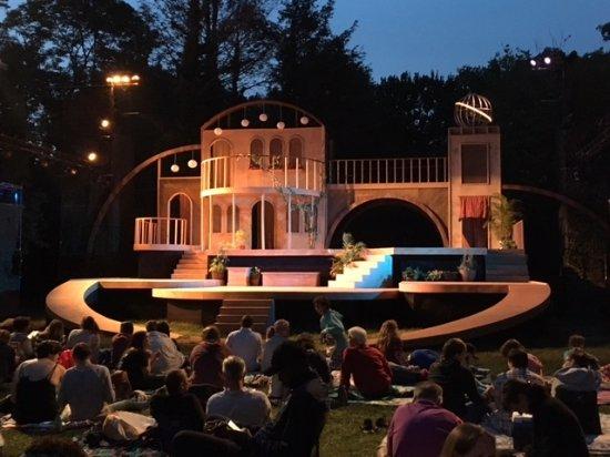 Romeo and Juliet Edgerton Park New Haven Ct