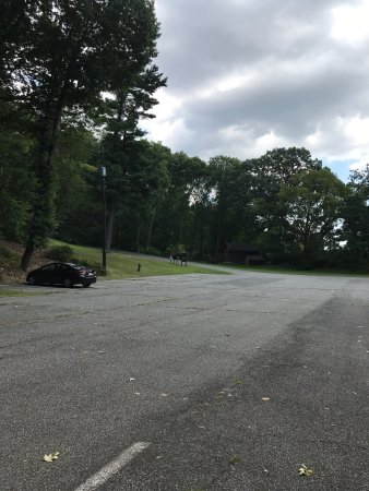 Stony Point, NY: Ample parking; beautiful grounds