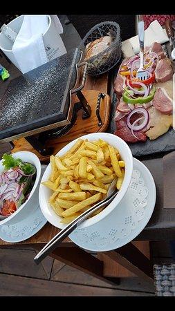 La Rotonde: Bons plats,mais assez CHERS!!!