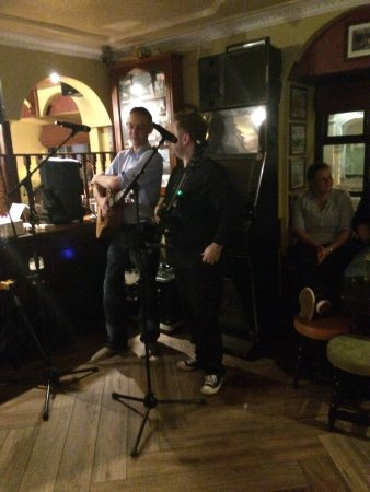 The Dingle Pub: live music!!!!