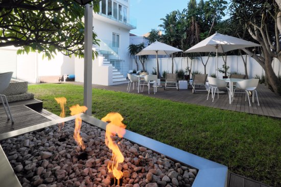Villa Zest Boutique Hotel: and if it cools down at night, there is a lovely fire to sit by