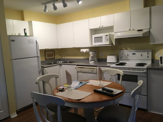 Times Square Suites Hotel: Kitchen