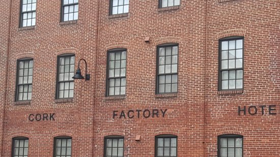 Cork Factory Hotel: Lovely Architecture preserved!
