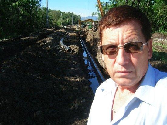 Okha, روسيا: газопровод летом ..