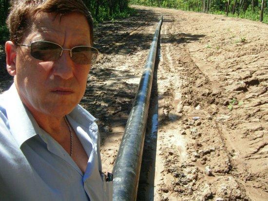 Okha, Rússia: газопровод летом