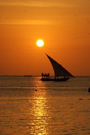 Diamonds La Gemma dell' Est : Evening rush hour in Zanzibar