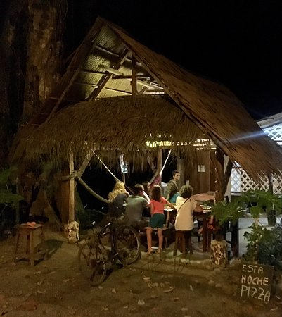 Punta Uva, คอสตาริกา: Unexpectedly good meal with our large family group; recommended!