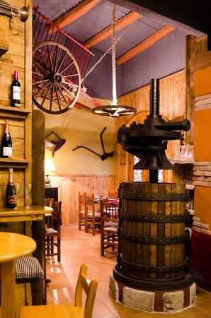Torrelles de Foix, Испания: Entrada Restaurant Km0 Can japet