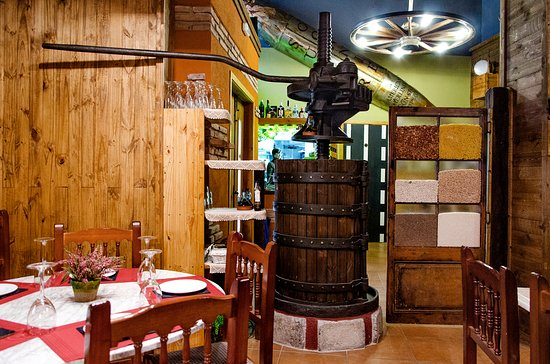 Torrelles de Foix, Испания: Restaurant Km0 Can Japet
