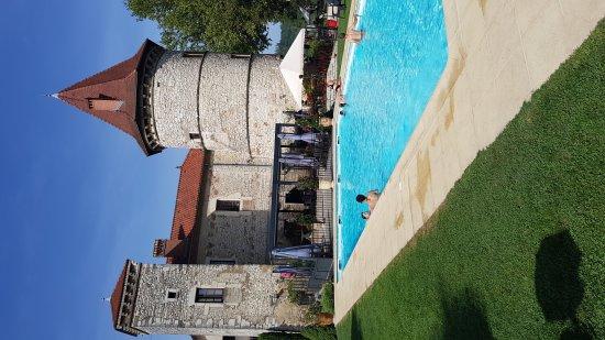 Vignieu, Francia: 20170828_163036_large.jpg