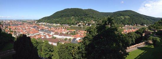 Heidelberg y el Heiligenberg de fondo