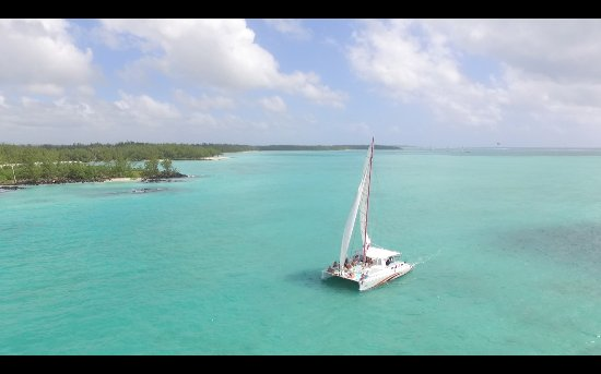 Trou d'eau Douce: Catamaran cruise