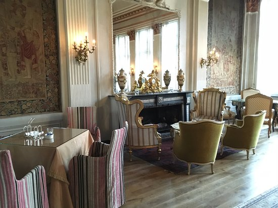 Classic Lounge With Fireplace Picture Of Die Swaene Bruges