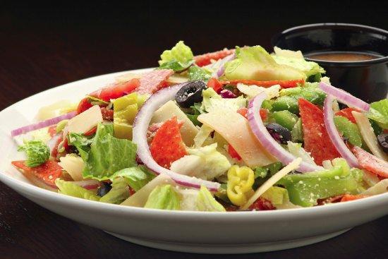 Crystal Lake, Ιλινόις: antipasto salad with Italian vinaigrette dressing