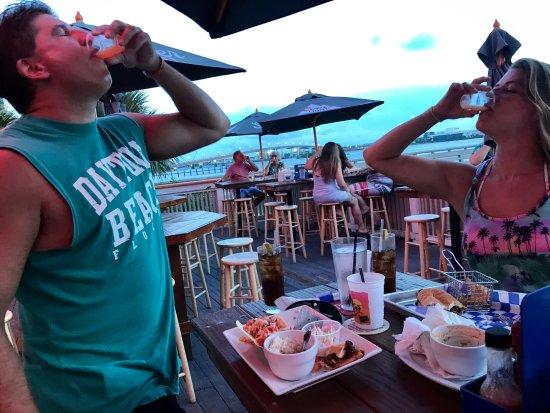 Sunsetters Riverfront Bar & Grill: Sunset shot!