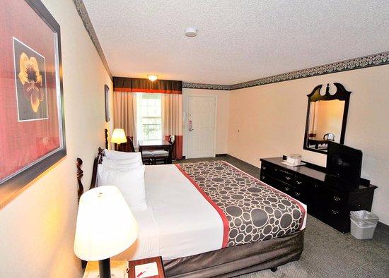 Zdjęcie Hilltop Inn & Suites